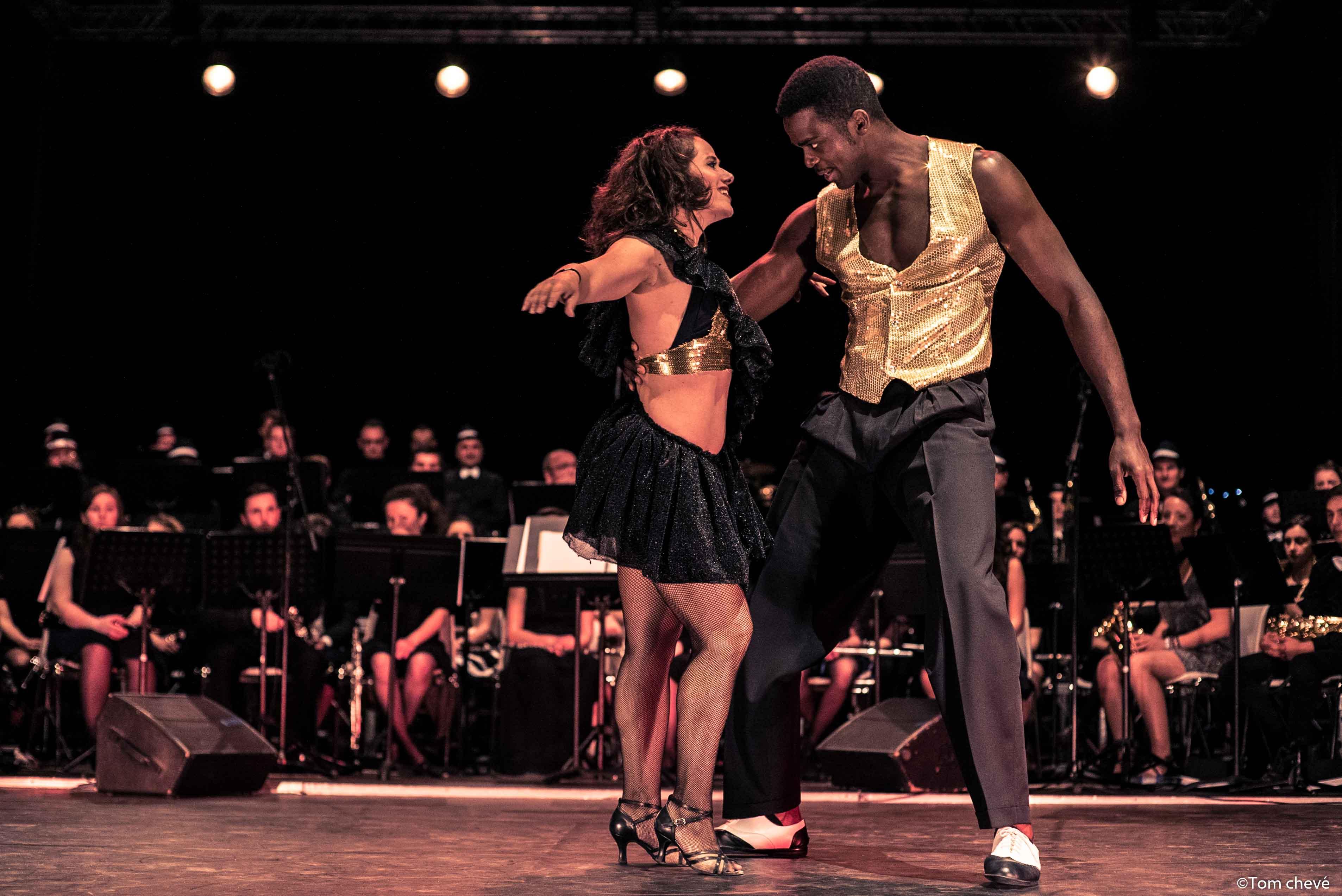 salsa, salsa hip hop fusion, Harmonie de Pontonx, salsa hip hop compagnie, salsa hip hop france, salsa hip hop paris, battle de salsa hip hop, xtremambo, rodrigue lino, mambo paris, breakdance, shine, breakdance en talons, beauté, muscles, salsa cubaine, salsa portoricaine, fitness, workout, show, Hip hop international , spectacle de danse, spectacle de salsa hip hop, show de salsa hip hop, paris salsa hip hop battle, centquatre paris,