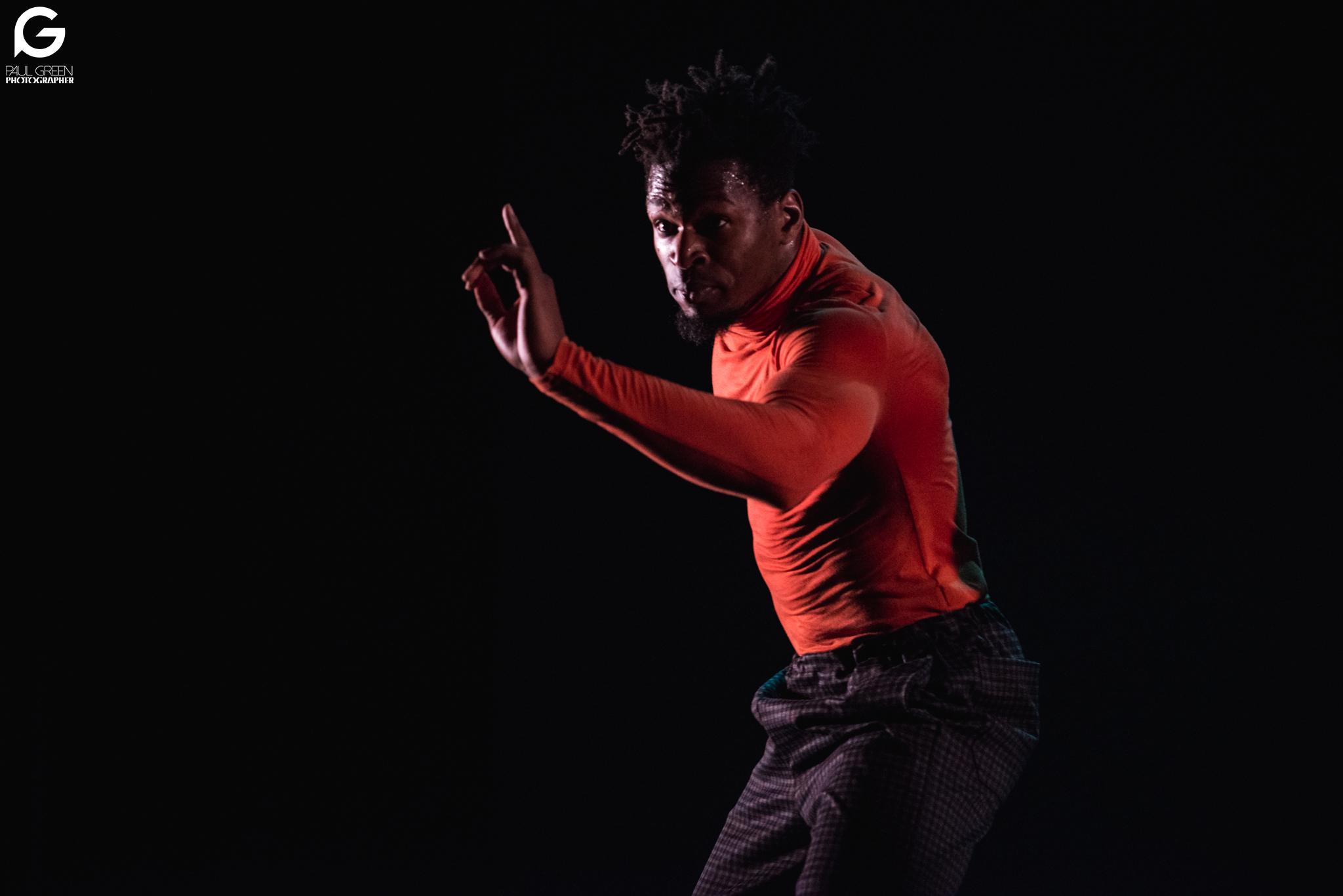issiaka karamoko, salsa hip hop, chenôve, spectacle salsa hip hop, danse, chorégraphe, xtremambo, scène, paris salsa hip hop,